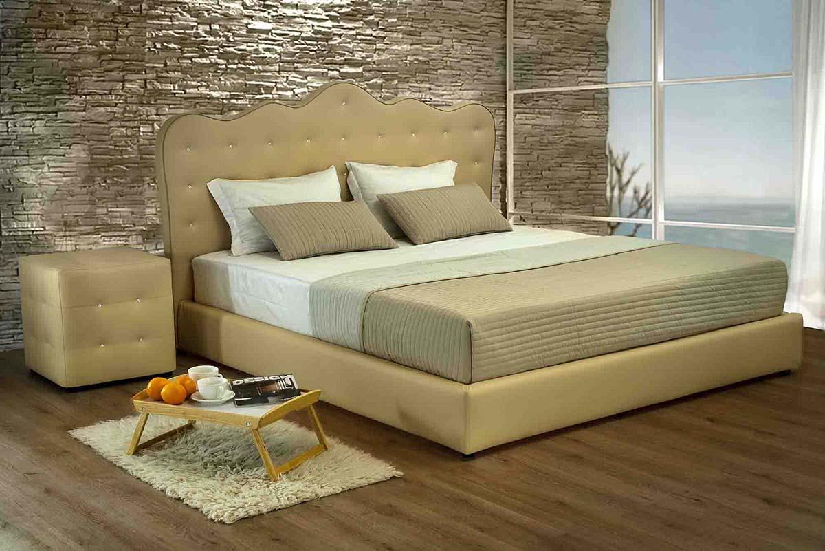 Kremine, klasikine dvigule lova Mona su naktiniais staliukais