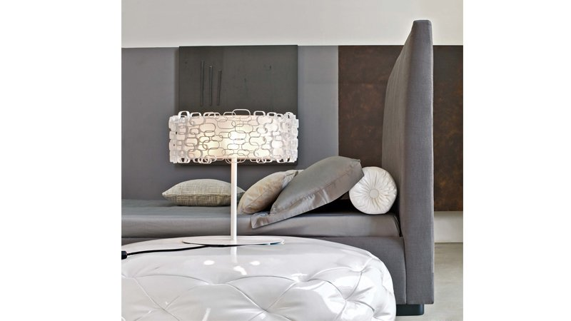 Pilkos, klasikines dvigules lovos Bona galvugalis