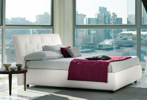 Modernaus dizaino dvigule lova Gordon baltos spalvos, pasvires galvugalis