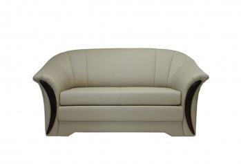 Kreminė, klasikinė, dvivietė sofa-lova Lotė N su medžio apdaila