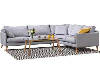 Skandinaviško dizaino baldai - minkštas kampas su staliuku