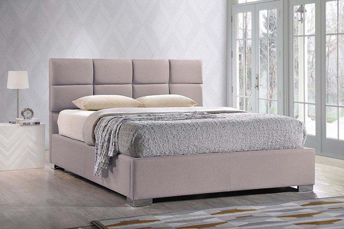 Rausva, moderni dvigule lova Hilton