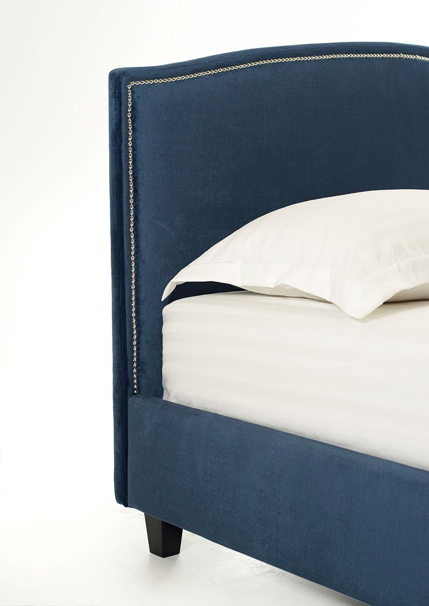 Melynos, modernios dvigules lovos siera sonas
