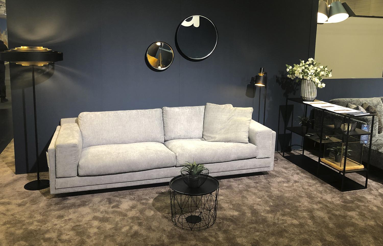 Sofa-Ellie-kremine-interjere